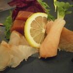 一汁五菜 - 本日の鮮魚3種 本鮪ブツ、天然鰤、鱸