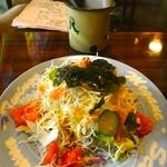 リュードゥバック - 料理写真:サラダ¥350