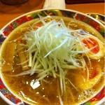16578390 - いやあ、うまかった!『絶品ネギ味噌白湯』                       鈴木ならではのあっさりしていて、かつコクのある味わいです。