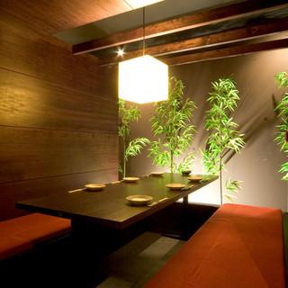 4名様〜最大200名様まで対応可能な完全個室を完備!