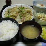 定食屋 - 料理写真:肉野菜炒め定食 600円