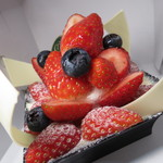 16583913 - ベリー系がいっぱい乗ったケーキでした!