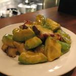 アヒルストア - 料理写真:アボカドとタコのサラダ