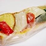 16585963 - 名前忘れちゃいましたが、ピザパン野菜のせ (^^