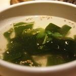 焼肉の古賀 - ビビンバに付く わかめスープ