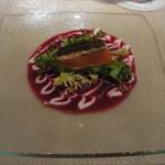 16587507 - [前菜]スモークサーモンのミキュイ仕立て ビーツとサワークリームのソースで