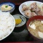 一粒 - 料理写真:鶏の唐揚定食