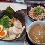 麺屋 夢人 - 夢人つけ麺・チャーシュー丼セット!(^o^)丿