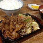 喜楽 - 料理写真:焼肉定食 750円