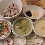 りせっとかふぇ  - おすすめ「陰」米セット(3種類の陰スープと、ご飯がついてきます)