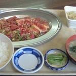 石打ドライブイン - ランチカルビ定食(1000円)