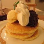 モグモグ - 十勝小豆と生クリームの和風パンケーキ