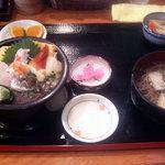松乃栄 - 海鮮丼