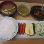 栄食堂 - 〆て800円セット