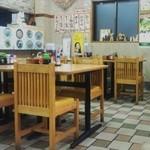 栄食堂 - 店内の雰囲気