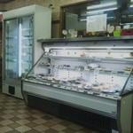 栄食堂 - 冷蔵ケース