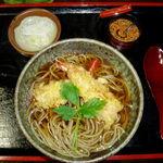 手打蕎麦多賀 - 年越しそばに天ぷらそばをいただきました!!アツアツの天ぷらそばを食べれば、身も心も温かく年を越せそうです!!