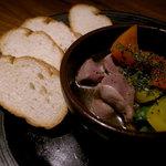 toribudou - 砂ズリと夏野菜アヒージョ