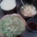16613025 - チヂミ、玉子スープ、ライス