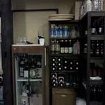夢屋 - 入口の酒たち