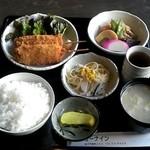 Kaferesutorankyunain - 日替わり定食(串カツ)