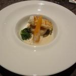 リュクセレ - ラングスティーヌと帆立貝のポワレ シャンピニオンのカプチーノ