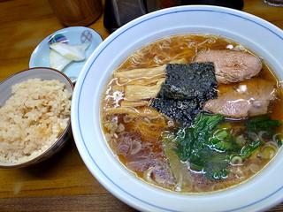 まるいち - ラーメン(650円)+定食(50円)