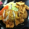 味な店なかちゃん - 料理写真:豚肉ロースカツ(600円)