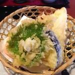 本家 山賊鍋 - イカ御膳の天ぷら!カラッと揚がってます。イカもある