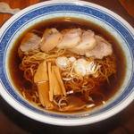 どん呑 - 焦がし醤油ラーメン(鶏がらとサバだしの醤油ラーメン)