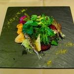 16631260 - 旬のお野菜とヨコワとリンゴのサラダ