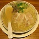 こちゃ麺亭 - 博多とんこつラーメン(580円)