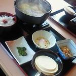 16634483 - 八戸せんべい汁(680円)+ごはん・小鉢・お新香セット(300円)