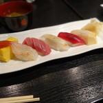 16634971 - 握り10貫+旬の巻寿司