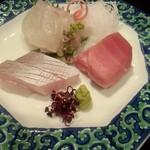 日本料理雲海 - お刺身盛り合わせ。