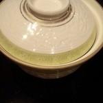 日本料理雲海 - 焚合わせの、煮物椀1。