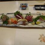 紋寿司 - 刺身