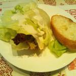 イル バッカ - セットのサラダとバゲット