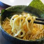 東京スタイルみそらーめん ど・みそ - 麺は浅草開花楼