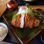 とんかつかつ喜 - 料理写真:かつ喜@白金豚プラチナポークロースかつ膳 1,974円