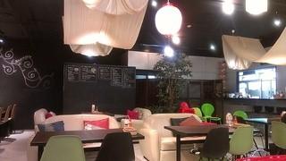 オキナワ カフェ - 店内その2。