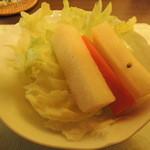 シャミアナ - 大根のピクルスがさっぱりおいしいサラダ