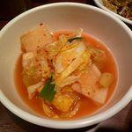 タッカンマリ鍋 鶏一匹屋 - キムチ