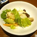 ティーヌン 青山店 - 白くらげのハーブサラダ