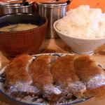 味の味噌一 - 餃子定食600円