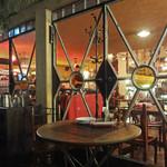 カフェ ラ・ボエム - テラスと店内を結ぶエリア