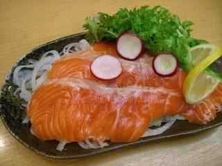 升亀 - 蒸ししゃぶ食べ放題コースより トロサーモンカルパッチョ