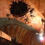 フォンダ・デ・ラ・マドゥルガーダ - 入り口入ってすぐの階段