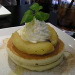 MAM CAFE - 焼きりんごのパンケーキ