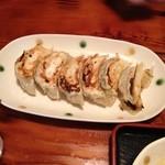 信州小麦ラーメン 亀屋  - 焼き餃子6個